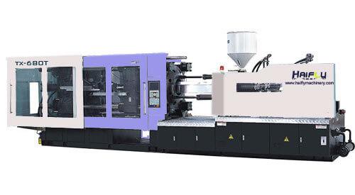 Máquina utilizada no processo de moldagem por injeção