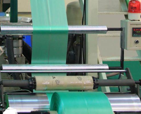 Imagem de fábrica de filmes plásticos (Fonte: Mundo do Plástico)